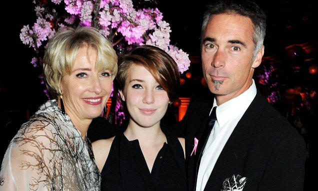 http://www.dailymail.co.uk/news/article-2944022/Emma-Thompson-home-schools-daughter-girl-says-school-wasn-t-her.html
